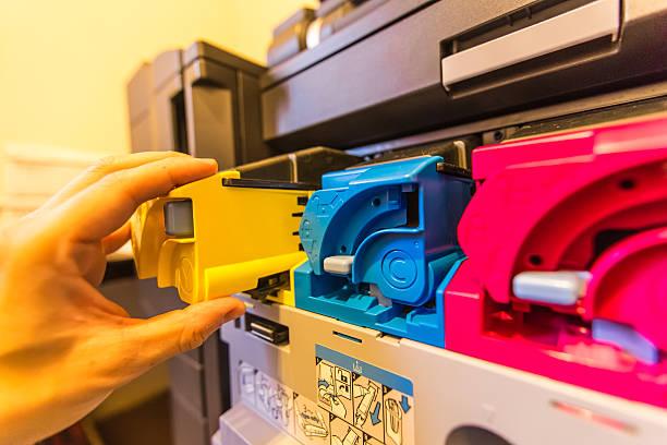 Фото Что лучше выбрать лазерный МФУ или струйный - набор картриджей в лазерном МФУ