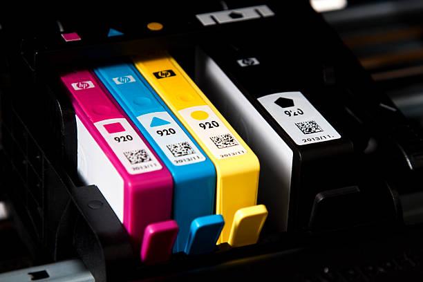 Фото Что лучше выбрать лазерный МФУ или струйный - набор картриджей в струйном МФУ