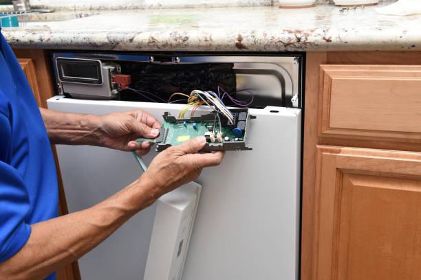 Фото Что делать если посудомоечная машина не набирает воду - проверить управляющий модуль