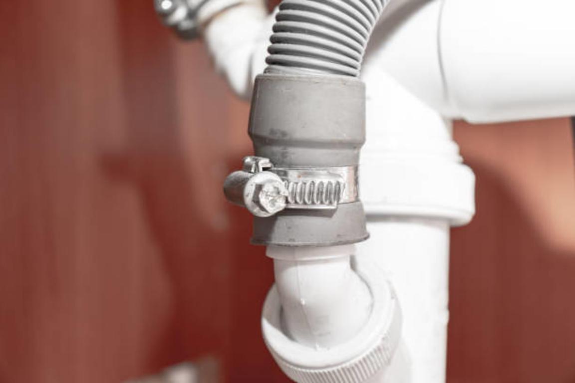 Фото що робити, якщо пральна машина не гріє воду - помилки в приєднанні до дренажної системи