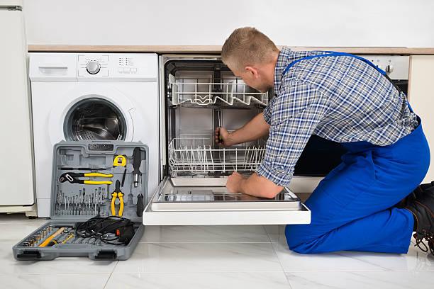 Фото Чтобы понять почему в посудомойке не сливается вода - необходимо провести визуальный осмотр ПММ