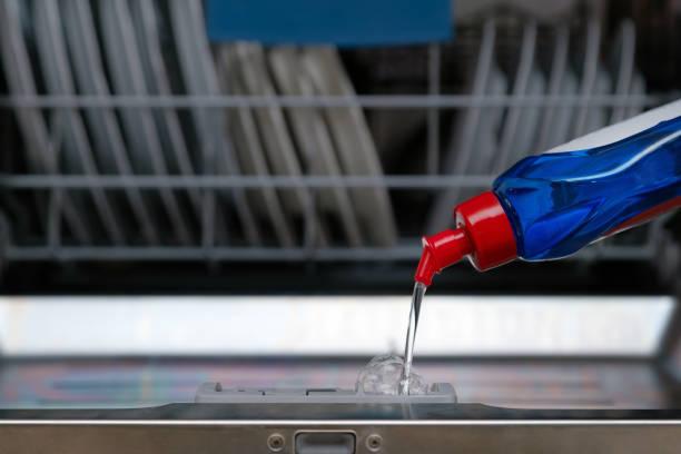 Фото Как мыть посуду в посудомойке - правильно используйте ополаскиватель