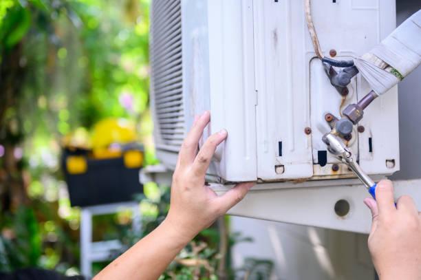Фото кондиціонер не охолоджує, а працює як вентилятор - необхідно перевірити зовнішній блок