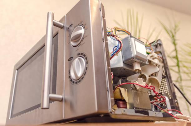 Фото Почему не включается микроволновая печь – рассмотрим ее конструкцию