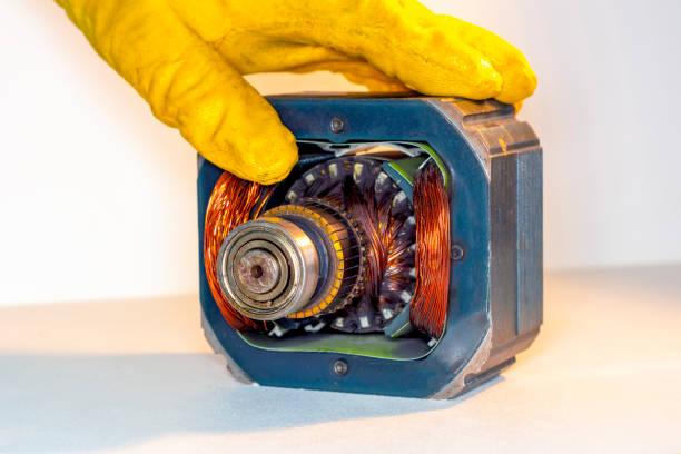 Фото чому не крутиться барабан в пралці - замініть двигун