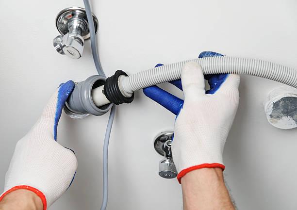 Фото почему не сливает воду посудомоечная машина - проверьте сливной шланг