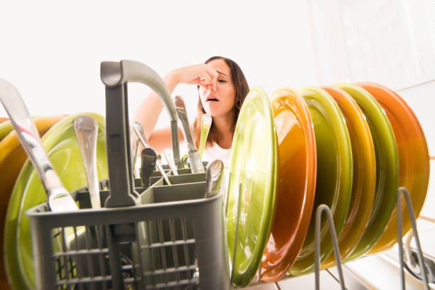 Фото Чому посудомийка погано миє посуд - вирішуємо проблему