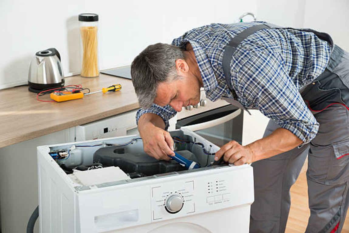 Фото Чому пралка не гріє воду - необхідно перевірити електронний модуль або програматор