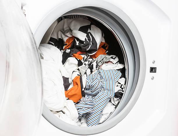 Фото Чому пральна машина не крутить барабан - порушені правила експлуатації