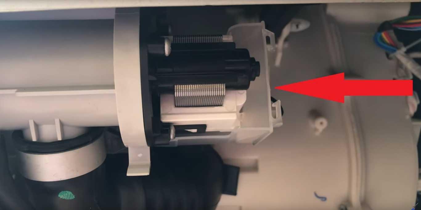 Фото Почему стиральная машина не сливает воду - проблемы со сливным насосом