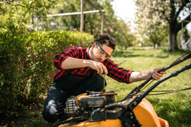 Photo services for the repair and maintenance of gardening equipment