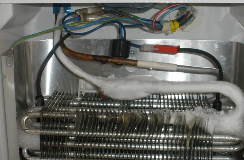 Фото Чому намерзає задня стінка холодильника - виток фреона або хладагента